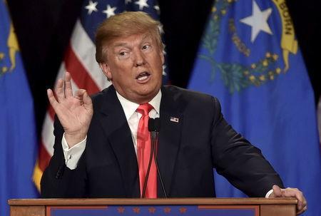 کابوی بازی نامزد جمهوریخواه آمریکا : هفت تیر هم بکشم رأیم نمی شکند