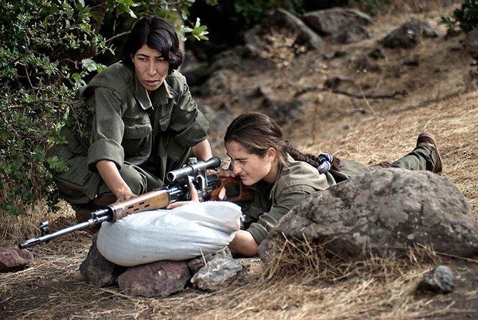 دختری که یک ارتش به دنبال اوست! (+عکس)