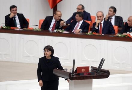 قطع حقوق نماینده کرد مجلس ترکیه به دلیل گفتن