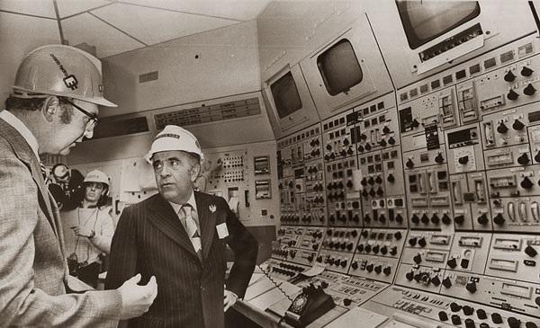 هویدا به دنبال خرید راکتور اتمی (عکس)