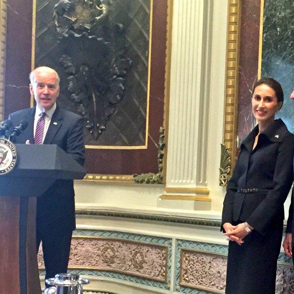 سفیر ایرانی الاصل آمریکا در سوئد (+عکس)