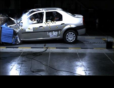 ال 90 در تصادف چگونه عمل می کند (+فیلم و عکس تست)