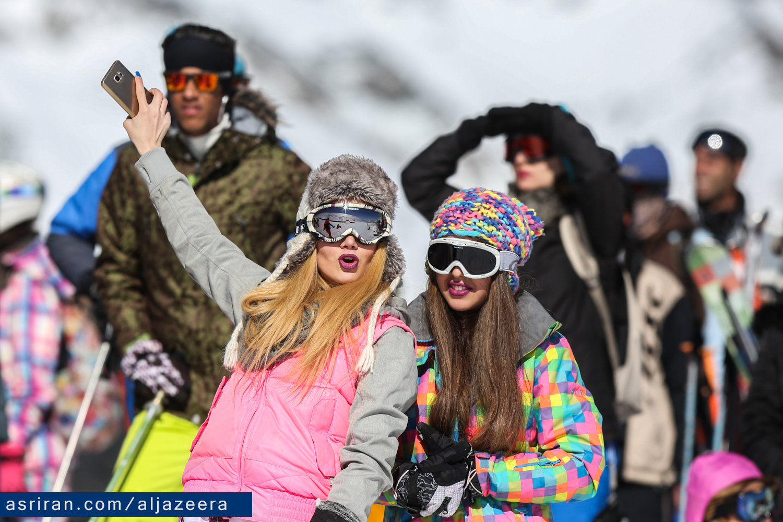تلگرام  بازان زنان گشت ارشاد در پیست اسکی تهران (+عکس)