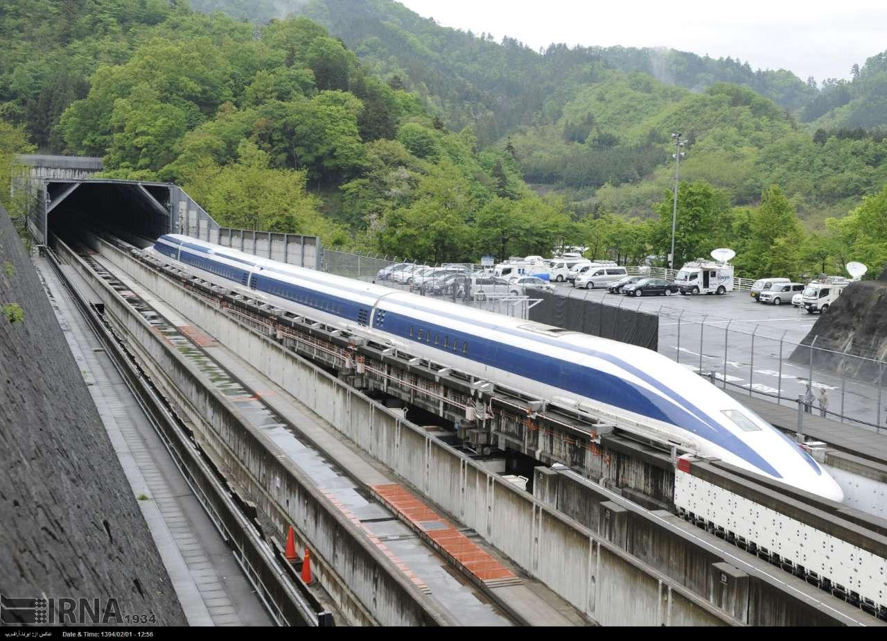 ساخت قطار سریع السیر در ژاپن (عکس)