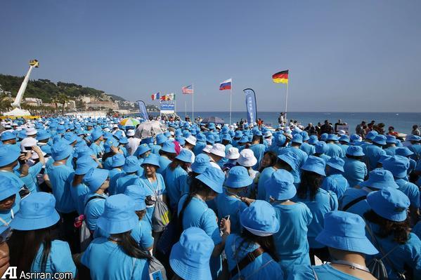 بزرگ ترین تعطیلات جهان ؛ سرمایه دار چینی 6400 کارمندش را به فرانسه برد (+عمس)