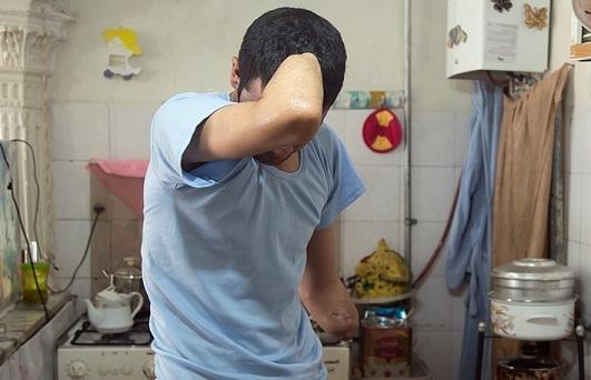 فراخوان تهیه دست مصنوعی برای دانشجویی که حین کارگری هر دو دستش قطع شد