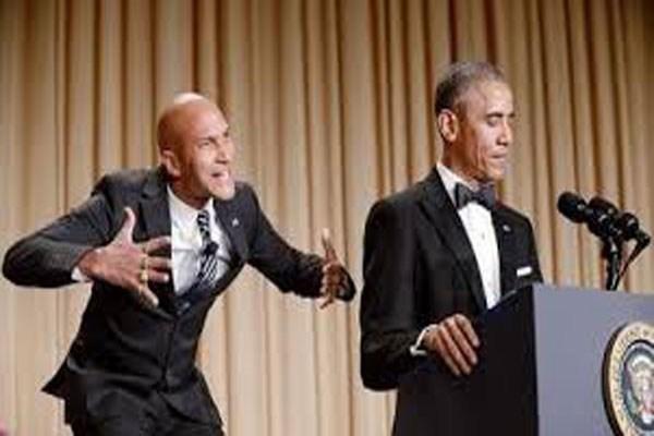 اجرای نمایش کمدی در هنگام سخنرانی اوباما