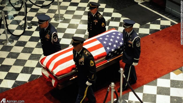 جو بایدن در مراسم تشییع پسرش (+عکس)