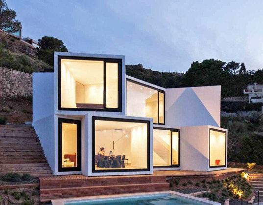 خانه آفتابگردانی که بینندگان را مجذوب کرده است