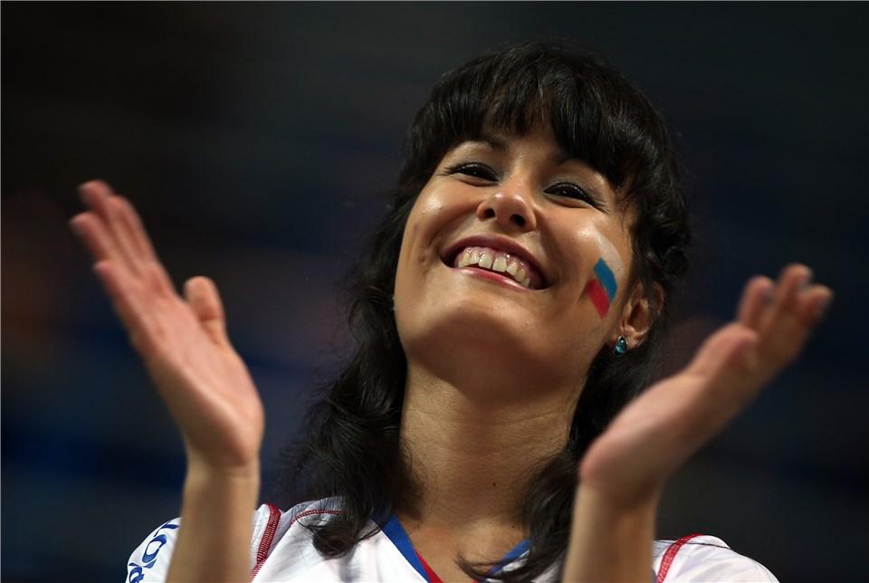 تماشاگران ایرانی و روس در سالن برگزاری مسابقه (گزارش تصویری)