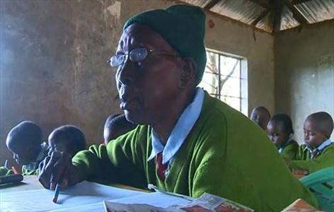 آرزوی پیرترین دانشآموز جهان (+عکس)