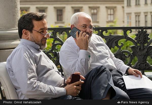 گوشی موبایل ظریف (عکس)