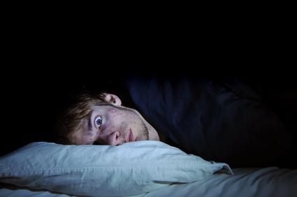 6 عادت غلط که شما را بی خواب می کند