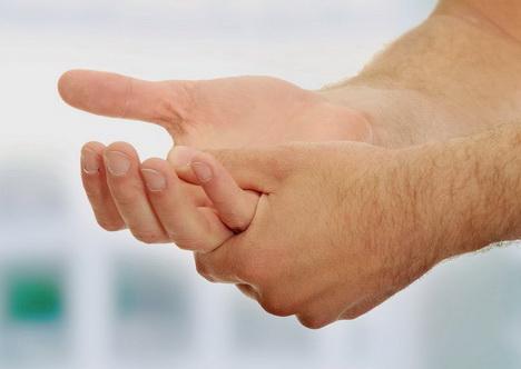 علت مورمور شدن کف دست