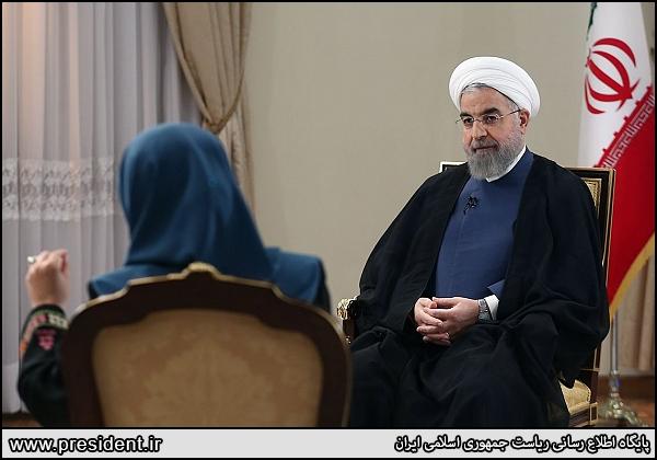 گفت و گوی تلویزیونی روحانی؛ طعنهها و اخم های معنیدار
