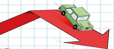 خودروهای داخلی، وارداتی و چینی چه میزان کاهش قیمت داشتند؟/ چه خودروهای وارداتی در بازار کساد خوب فروختند؟