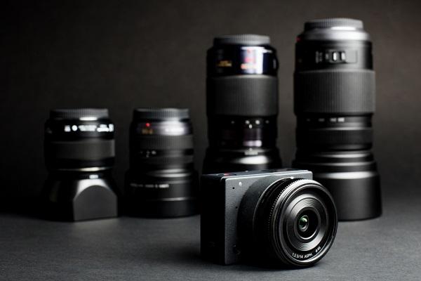 معرفی کوچکترین دوربین با لنز قابلتعویض جهان