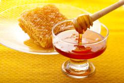 عسل با موم نخرید