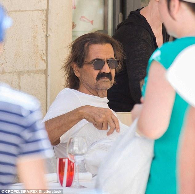 خوشگذرانی امیر سابق قطر در اروپا(+عکس)
