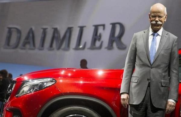 همکاری دایملر با گوگل و اپل برای هوشمندسازی خودروها