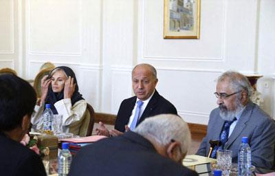 حضور یک نویسنده ایرانی در کنار فابیوس (+عکس)