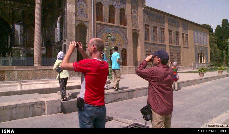 سفرنامه خبرنگار آلمانی در ایران: از شلوار صورتی زنان تا تفکیک جنسیتی مترو