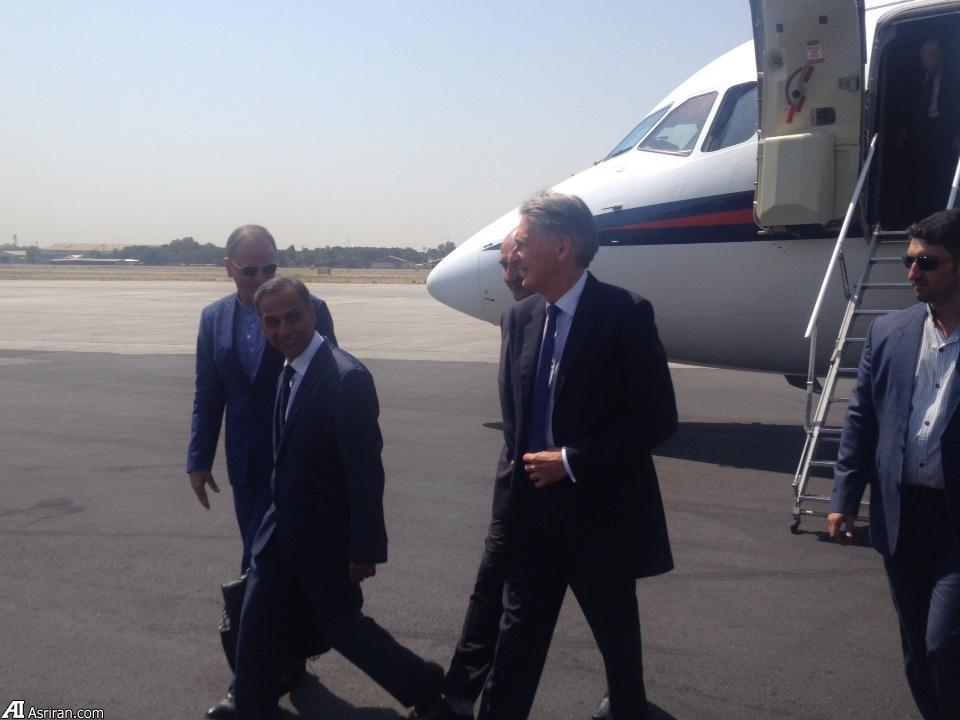 ورود وزیر خارجه انگلیس به سفارت این کشور در تهران/ هاموند: دیدارم نقطه عطف تاریخی در روابط با ایران است