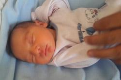 لباس نوزاد تازه متولد شده
