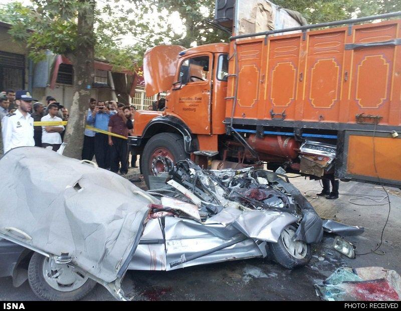 عبور مرگبار کامیون از روی پراید در ایلام + عکس