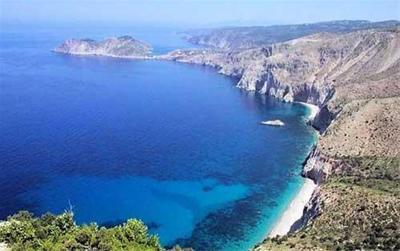 پیشنهاد یک میلیونر برای حل مشکل آوارگان: خرید جزیره از یونان و اسکان