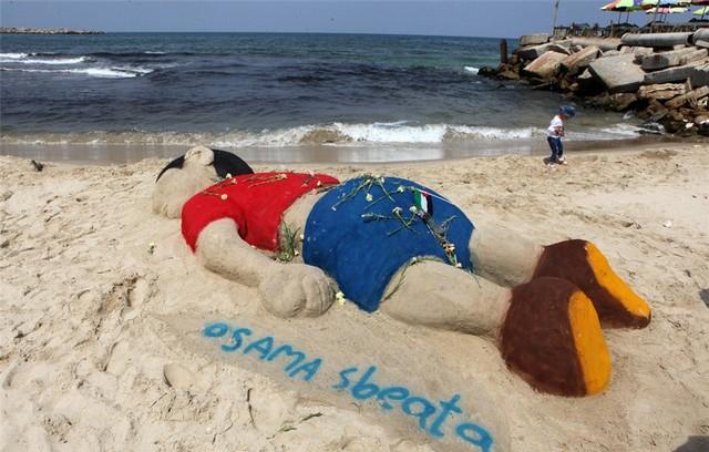 اثر هنری در هند درباره کودک غرق شده سوری (عکس)