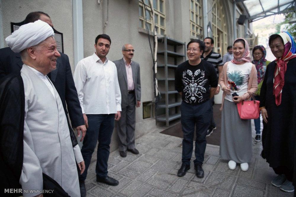 مواجهه هاشمی رفسنجانی با جهانگردان (عکس)