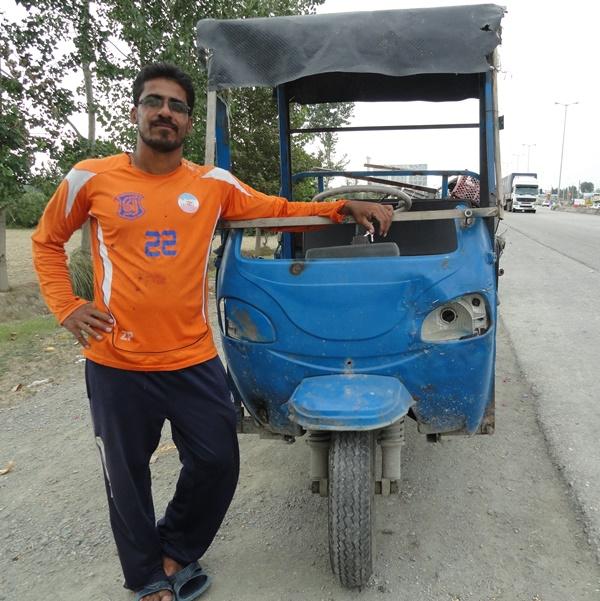 ماشین کاپیتان تیم ملی (عکس)