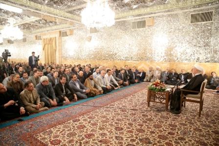هاشمی رفسنجانی: جامعه باسواد کورکورانه رأی نمی دهد