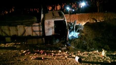 3 کشته در تصادف کامیون با پراید در جاده مهران