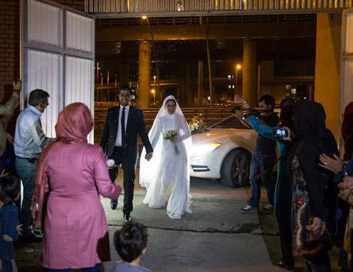 ازدواج زوج کارتن خواب در مرکز مهر (+عکس)