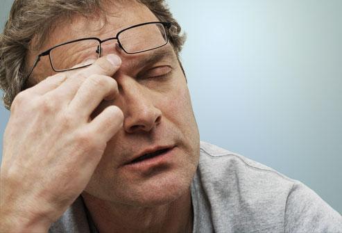 8 عادت خطرناک برای چشم