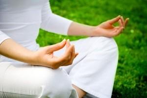 10 حرکت مفید یوگا برای بدن