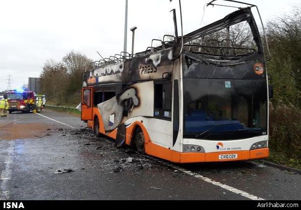 حریق اتوبوس، یک بزرگراه را بست (+ عکس)