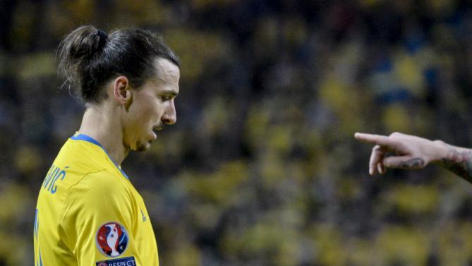پلی آف یورو 2016 ؛ پیروزی شکننده سوئد برابر دانمارک(+عکس)