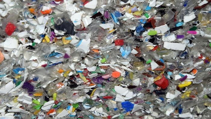 آلمان از کشورهای همسایه زباله وارد میکند