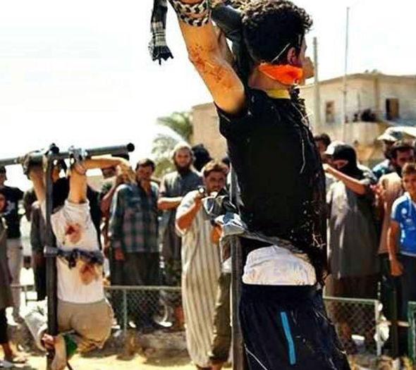 سایه وحشت اعدامها و گردنزنیهای داعش در موصل + عکس (16+)