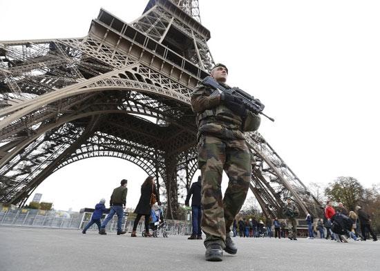 عوامل اجتماعی وقایع پاریس
