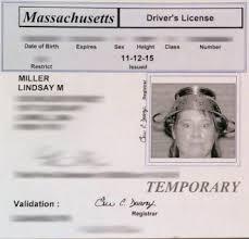 گواهینامه با آبکش فلزی بر روی سر (+عکس)