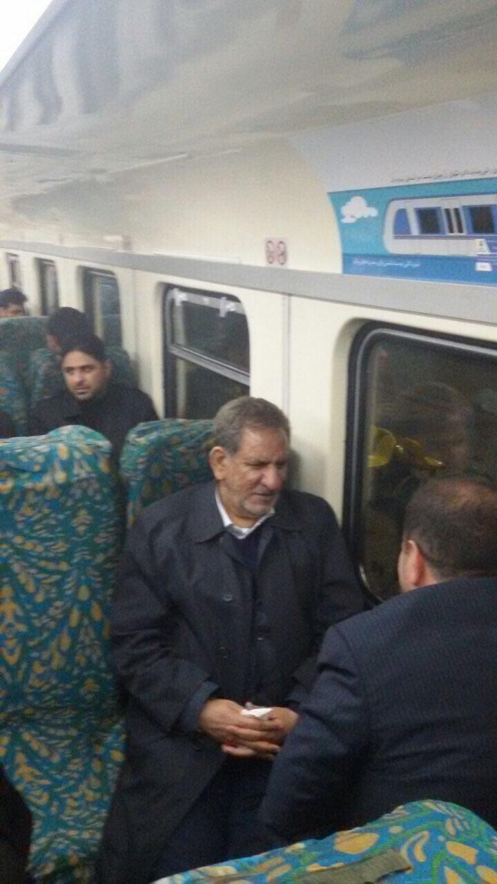 یهویی با معاون اول رییس جمهور در مترو (+عکس)