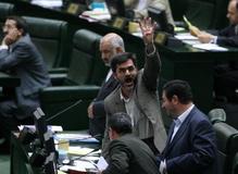 درخواست تعدادی از نمایندگان مجلس برای استعفای کوچکزاده