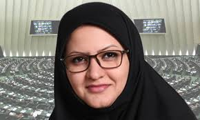 نامه علی مطهری به جنتی درباره مینو خالقی: استیضاح وزیر کشور در صورت عدم صدور اعتبارنامه منتخب اصفهان