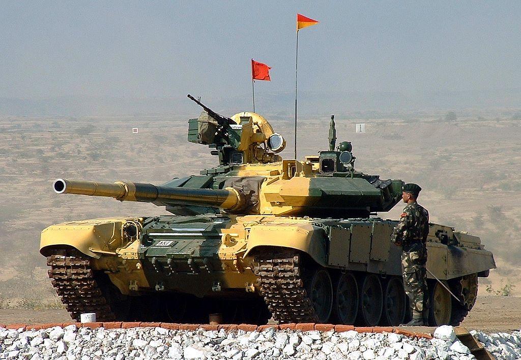 برنامه سفر وزیر دفاع ایران به روسیه برای خرید جنگنده و تانک