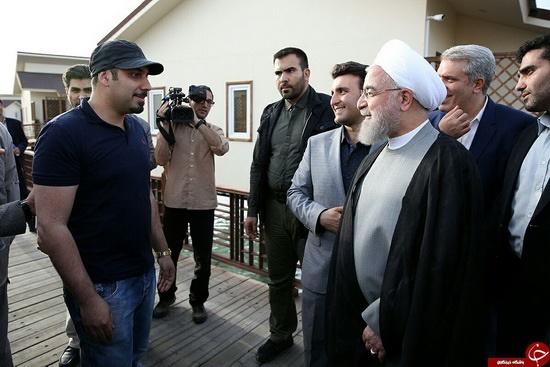 دیدار اتفاقی روحانی و احسان خواجه امیری در کیش (عکس)