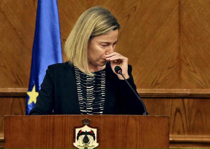 گریههای موگرینی در نشست خبری: امروز روز دشواری است/ باید جلوی تندروی را بگیریم